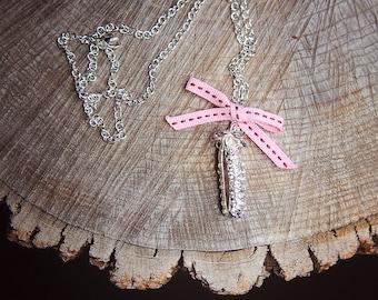 Pea Pod Necklace ~1 pieces #100388