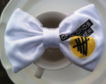 5 seconds of summer yellow/black logo bow