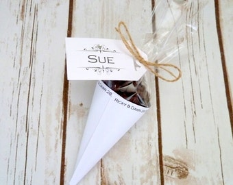 10 hot chocolate favours with ribbon and personalised tags
