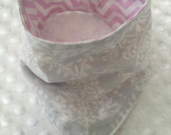 Personalized REVERSIBLE Baby Girl Bandana Bib Bibdana- Grey Damask with Pink Chevron