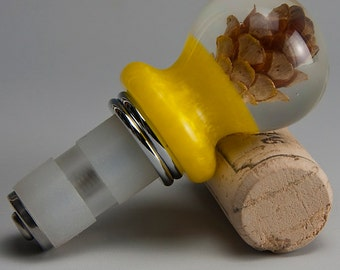 Hemlock Cone Adjustable Bottle Stopper - 11Ag24