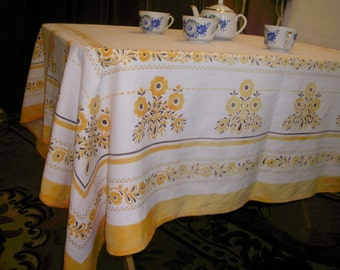 Beautiful linen tablecloth 100% natural.Ukrainian Soviet vintage handmade.