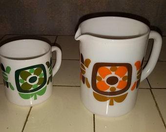 """""""Vintage Arcopal"""" pitcher and mug Mobil """""""