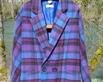 STEILMANN 16 of West Germany size USA,Can 16, raglan sleeve,blue, black, pink plaid double breasted, 2 pocket size 16 wool blend warm coat .