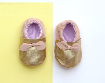 Gold Leather Baby Shoes // Soft Soled Baby Booties // Pink Leather Baby Gift