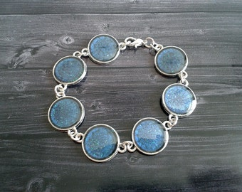 Beautiful blueish glitter bracelet