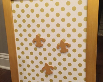 Magnetic board covered with fabric/fleur de lis magnets