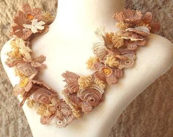 Turkish OYA Lace - Necklace - Bijou - Beige & White