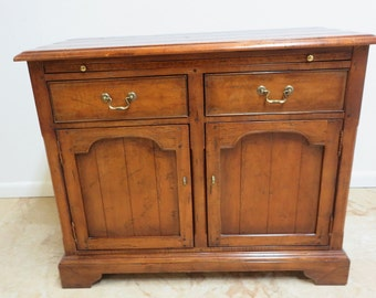 Hickory Co. Distressed Early American Server Chippendale Sideboard Bar Console