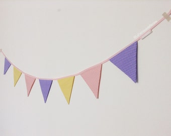 Garlands of pennants - fabric in peas