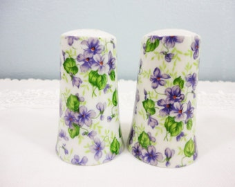 Vintage Salt and Pepper Shaker Set - Violet Design
