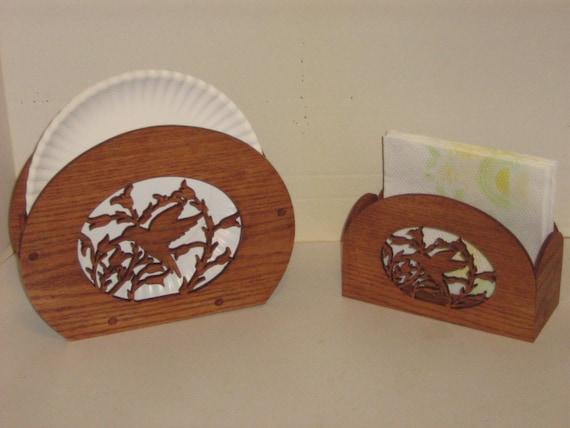 custom handmade hummingbird paper plate napkin holder. Black Bedroom Furniture Sets. Home Design Ideas