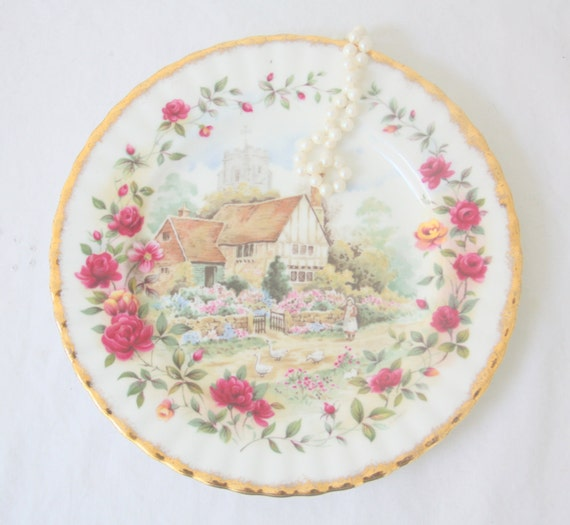 Very Hard To Find Vintage Royal Albert Bone China 'Old Country Roses Cottage' Decorative Plate, England