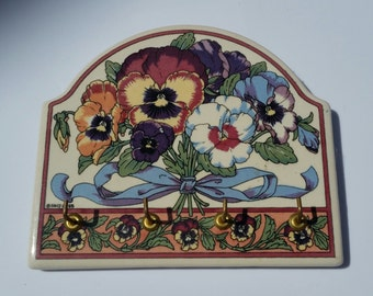 80s Vintage Key Holder / Floral / Pansy / Pansies / Flowers / Wall Key Holder / Keys / Classic / Shabby Chic / Retro / Country / Farmhouse