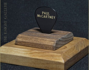 Paul McCartney: AUTHENTIC guitar pick and display case