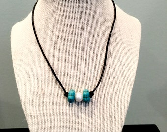 Teal bead necklace with pearls