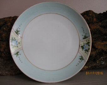 Meito Hand Painted Blue Flower Gold Rimmed China Dessert Plate