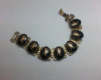 Vintage Asian Reverse Intaglio Link Bracelet
