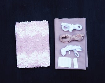 Madalynne x Simplicity 8228 Dusty Pink White