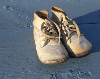 Precious Adorable Baby Toddler Childs Shoes 1930's 1940's Vintage