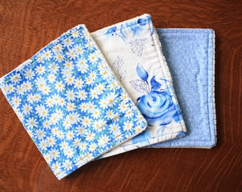 Blue white burp cloths - Baby girl burp cloths - Floral burp cloths - Baby girl gift
