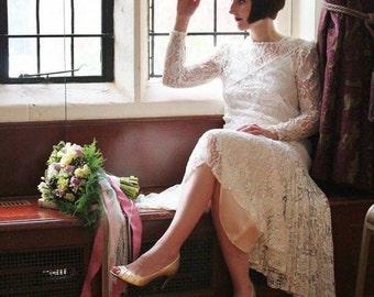 White lace vintage 1980s does 1920s Great Gatsy High low drop waist Flapper wedding dress Art Deco Avant Garde