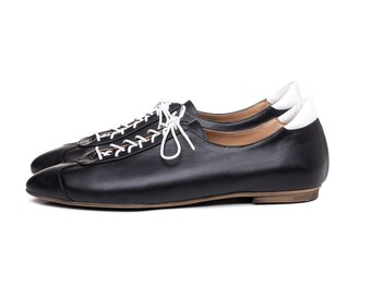 Flash Sale 40% off! Black & white sneakers. Women shoes, black oxford shoes, handmade leather shoes. Alexander model.