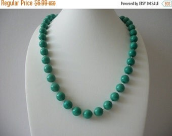 ON SALE Vintage 1960s Aqua Green Plastic Beads Necklace 8916