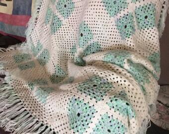 Crochet white/green afghan