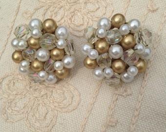 Vintage clip earrings, pearl cluster earrings, japan earrings, white and gold cluster earrings, pearl cluster earrings, 1940s earrings