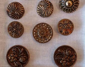 10 metal buttons