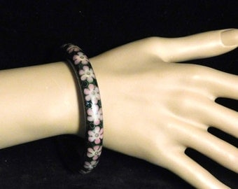 Chinese cloisonné bangle in black and pink
