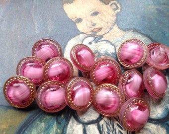 8 pink glass buttons - 8 beautiful collector / glass buttons - vintage buttons - eye-catcher