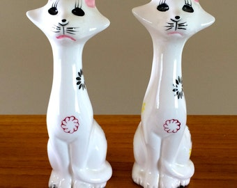 Vintage Long Necked Cat Salt Pepper Shakers Made In Japan