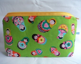 Purse // makeup bag// zipper pouch // matrjoshka print