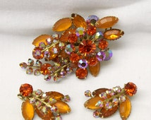 Vintage prong set DEMI PARURE Rhinestone Brooch & Earrings in Pristine Condition beautiful orange iridescent stones in pin and clip-ons