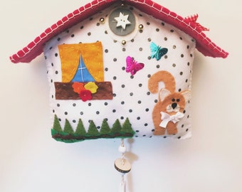 Casina made of felt and decorated and hand-sewn felt