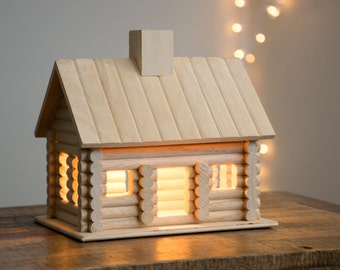 Log Cabin Night Light - Woodland / Wilderness / Nature / Camping Themed Nursery Nightlight - Baby / Kid's Room Lamp