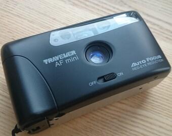 Traveler AF mini- 35mm film camera f4,5 / 30 mm lens + data back