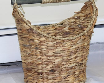Handwoven Toilet Paper Holder, Rustic Cottage Style