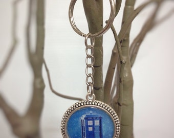 Dr Who Tardis inspired keychain