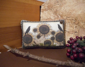 Pillow Tuck: Primitive Rustic Americana Sunflowers Pillow Tuck