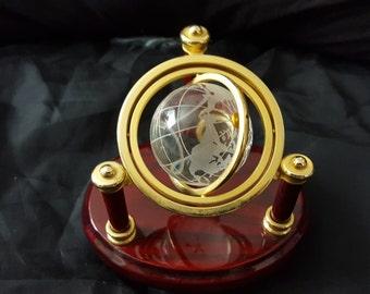 Crystal Globe shelftop display