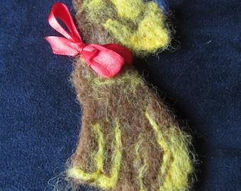 Dog brooch, Woolen brooch - dog, Scottish Terrier, felt brooch dog, felted brooch animal, mothers day gift, woolen felt brooch Terrier dog