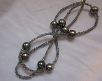 Cultured Tahitian Pearl and Labradorite necklace (MM6)