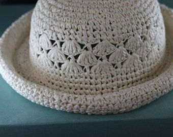 Beautiful Vintage 1920's Womans Cream Kettle Brim Cloche Straw Hat, New in Box with Receipt, New Used