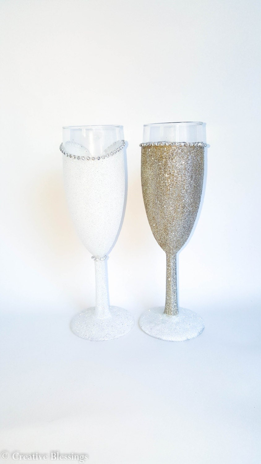 Wedding Present Champagne Glasses : Wedding Toasting Flutes, Anniversary Gift, His and Hers Champagne ...