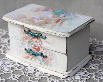 Turqoise Splash vintage upcycled make-up storage box