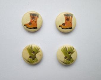 Rubber boots & gloves 4 wooden buttons 15 mm Ø