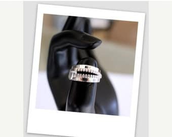 ON SALE 10K White Gold Zipper Ring
